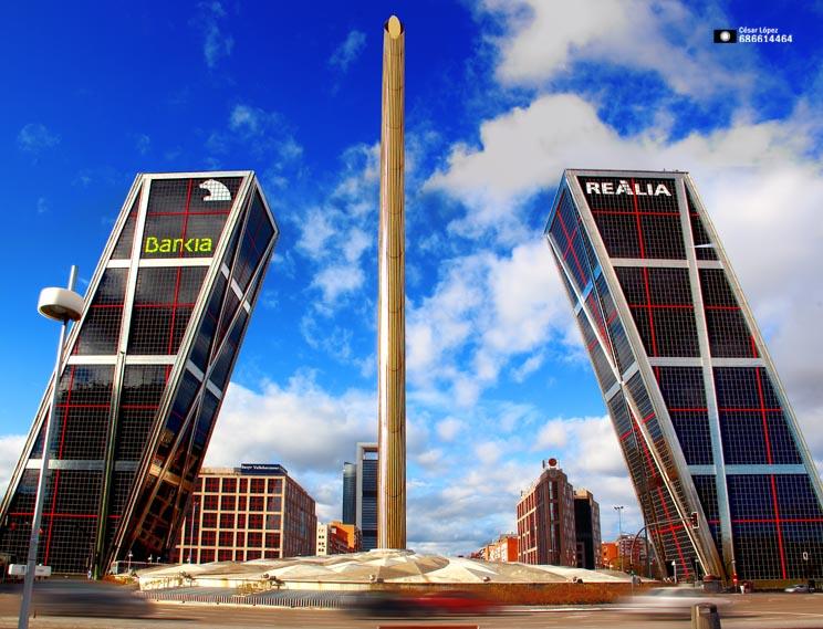 Torres kio y obelisco de calatrava video y fotograf a - Torres kio arquitecto ...